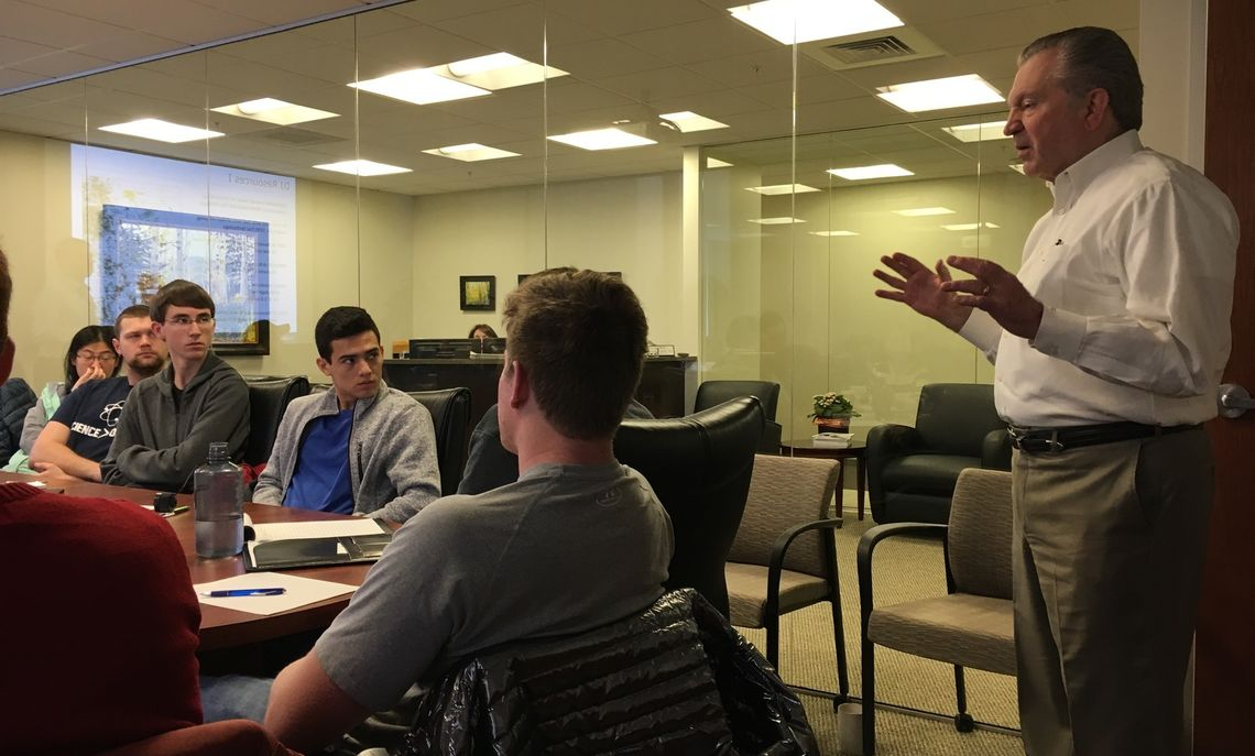 F&M Trustee Dave Lehman '68, CEO of the Denver-based energy firm DJ Resources, shares with the students the geosciences aspects of the industry.