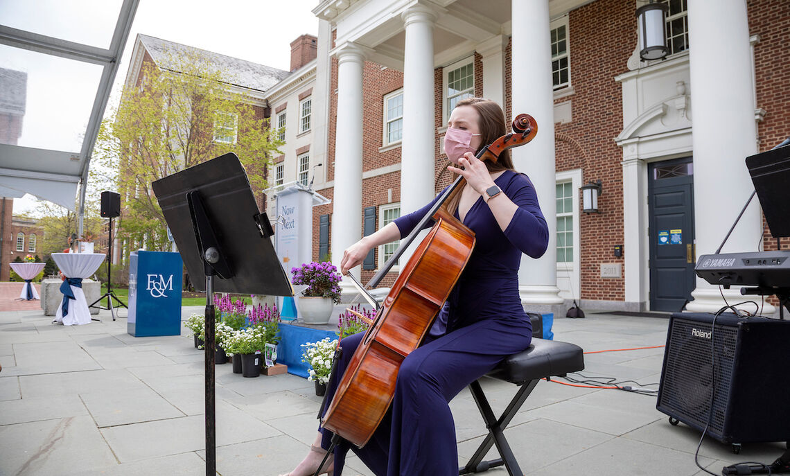 ... sophomore cellist Elizabeth Chapman provided the ceremony's musical interludes.