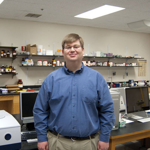 Associate Professor of Chemistry Scott Brewer is a 2015 Henry Dreyfus Teacher-Scholar.