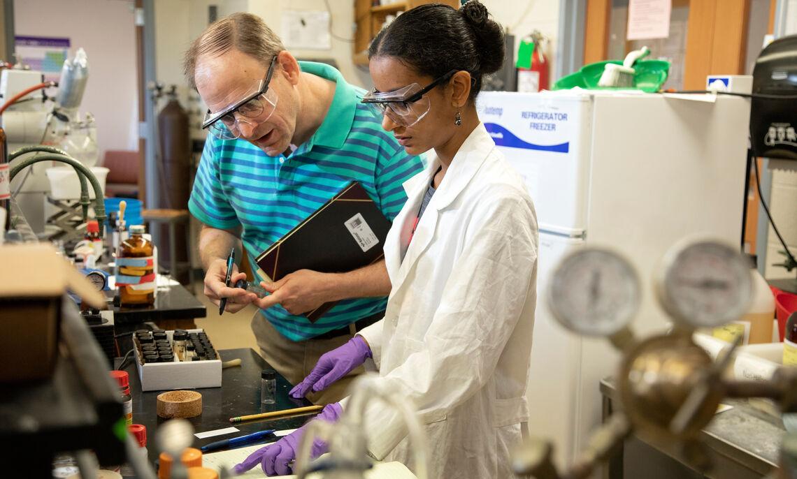 Chem lab photo 9