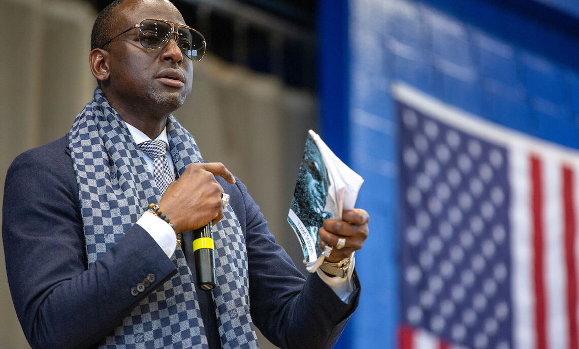 Yusef Salaam speaks at the Feb. 20 Common Hour.