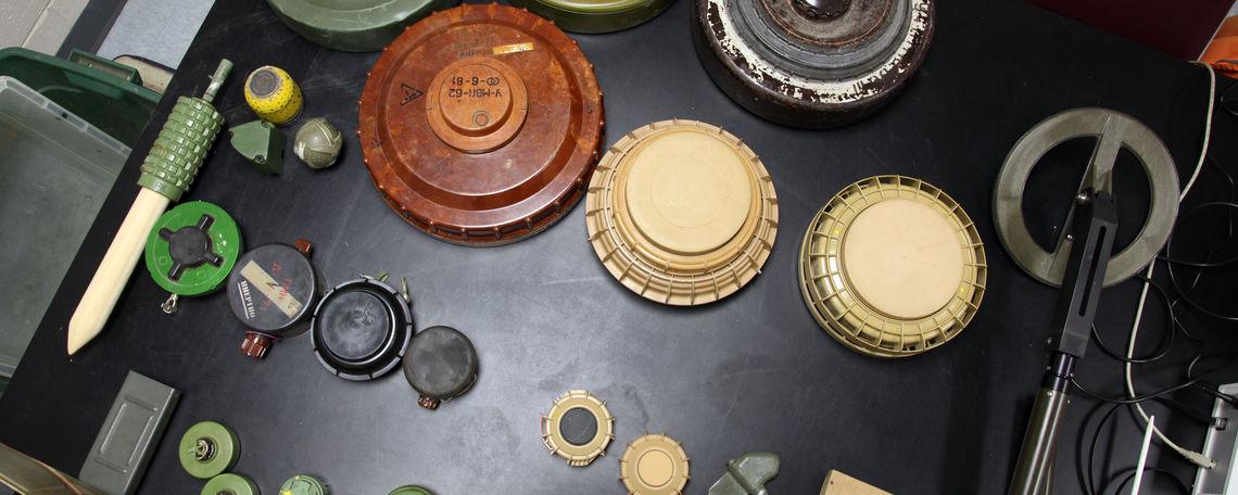 10 27 landmines 8 dg