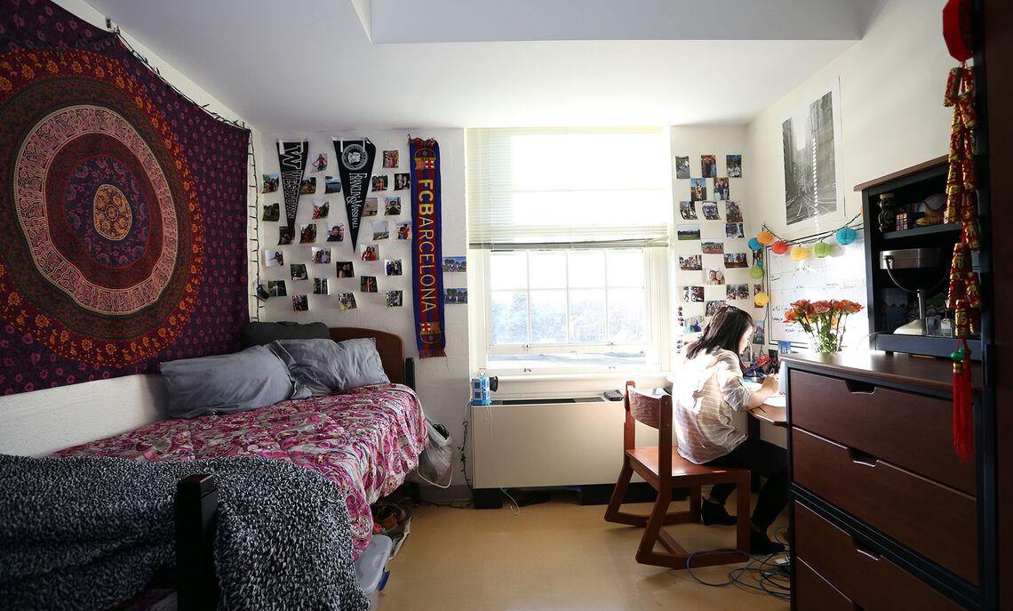 02 20 new college house 01 dg