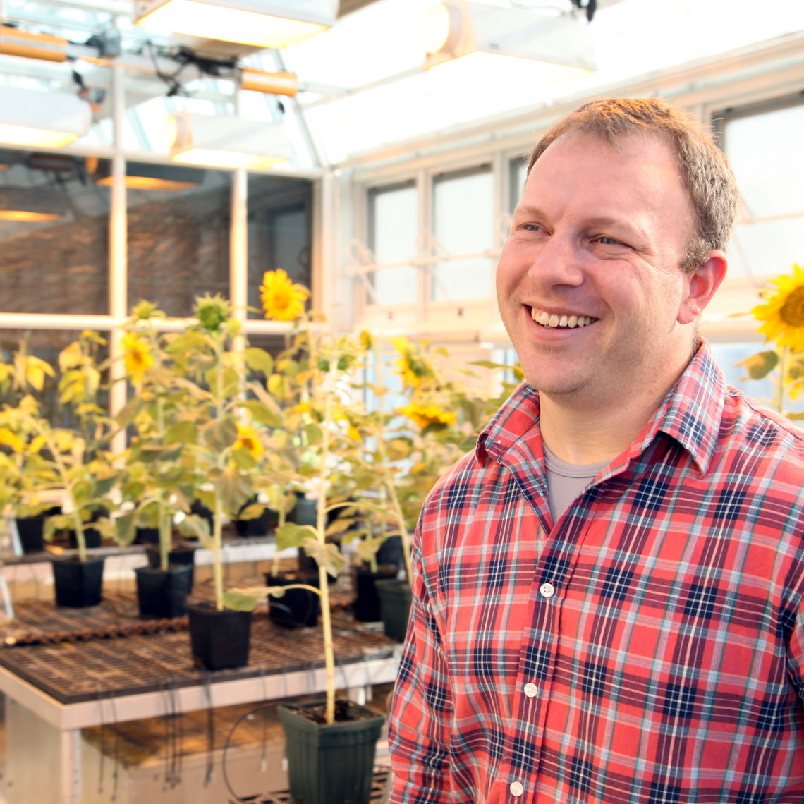 Eric Lonsdorf, professor of ecology, evolution and behavior, is a research associate in biology at F&M