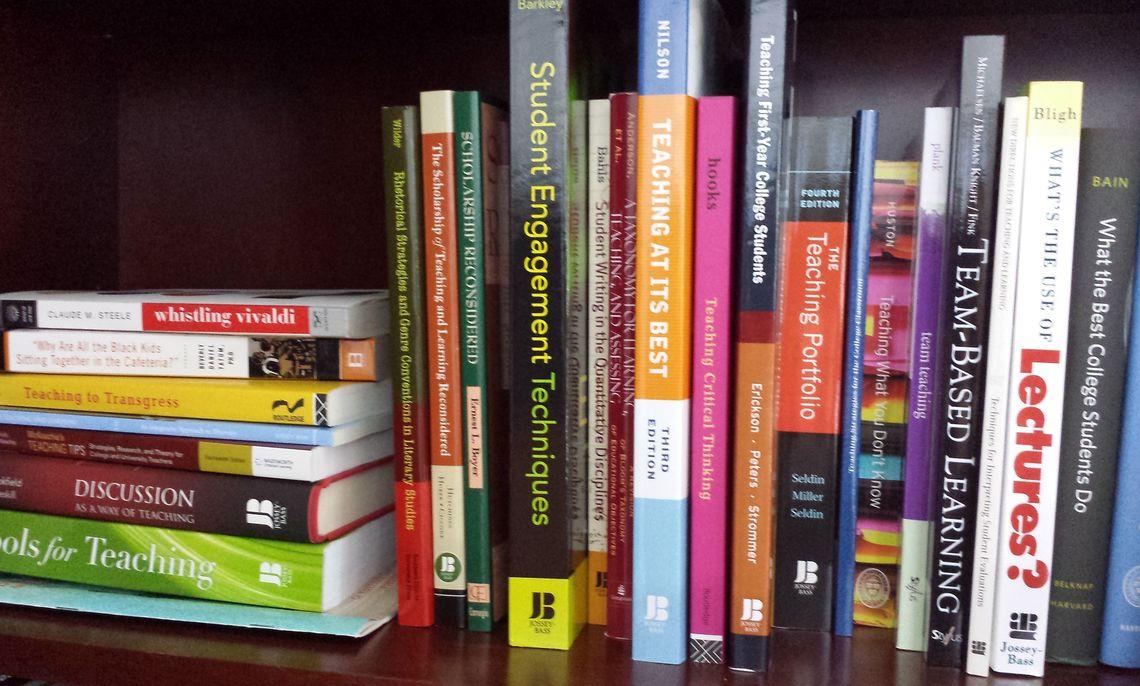 fcbookshelf2