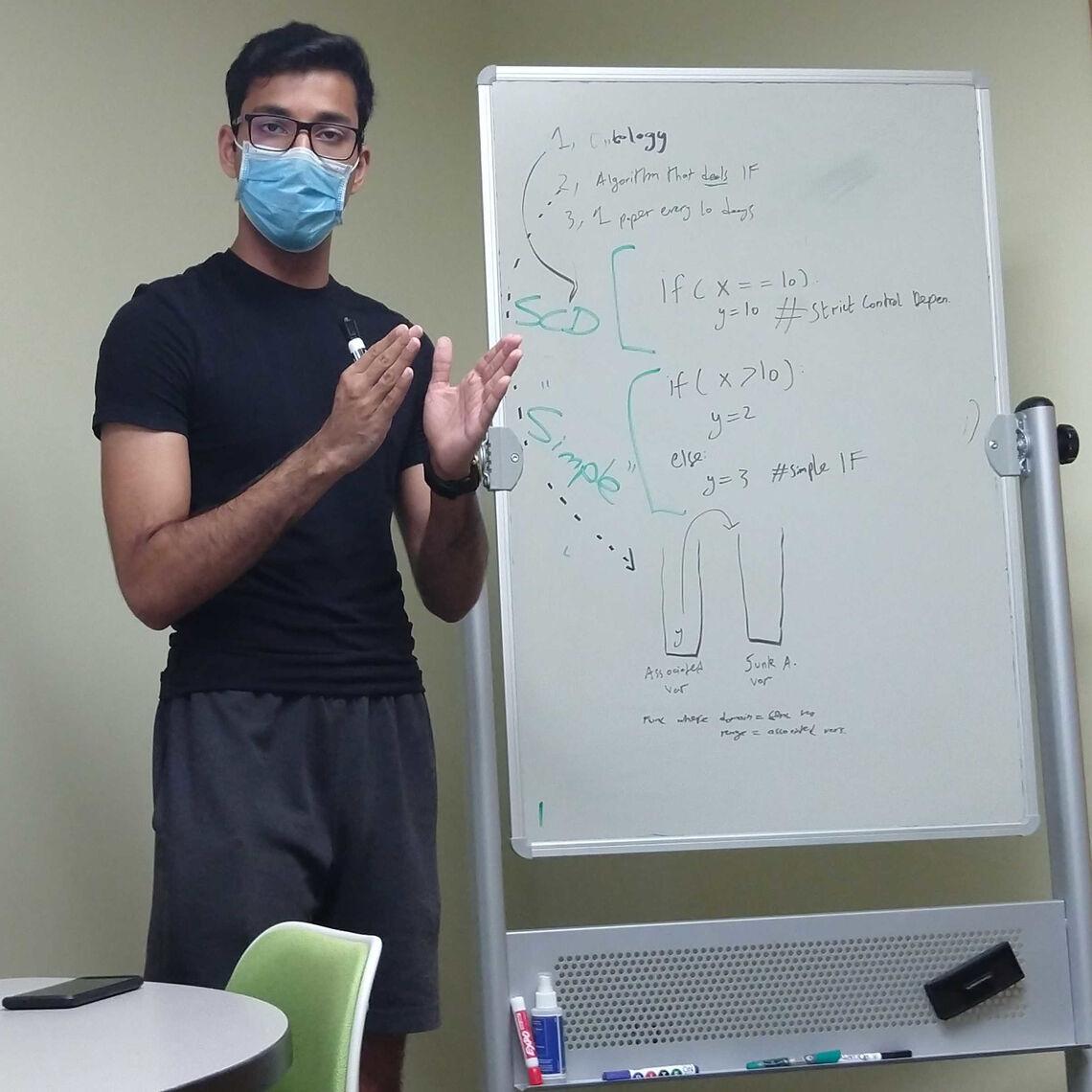 Mohammed Shaamyl Anwar '23 discussesan algorithm to track implicit information flow using byte-code instrumentation.