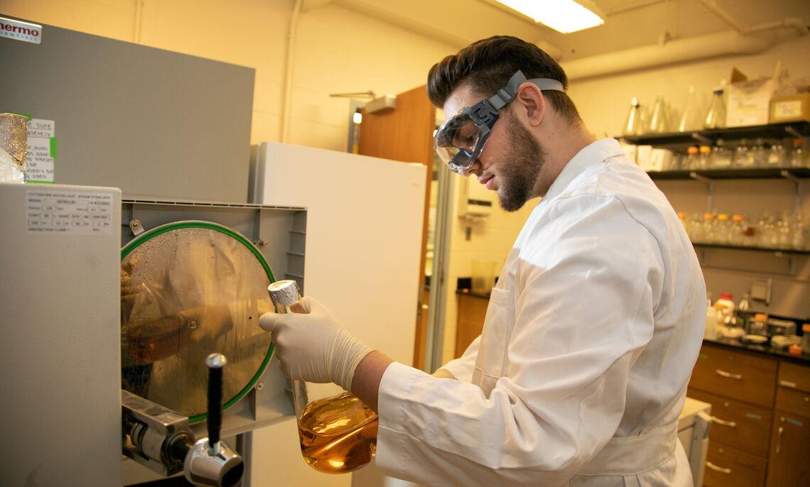 Chem lab photo 10