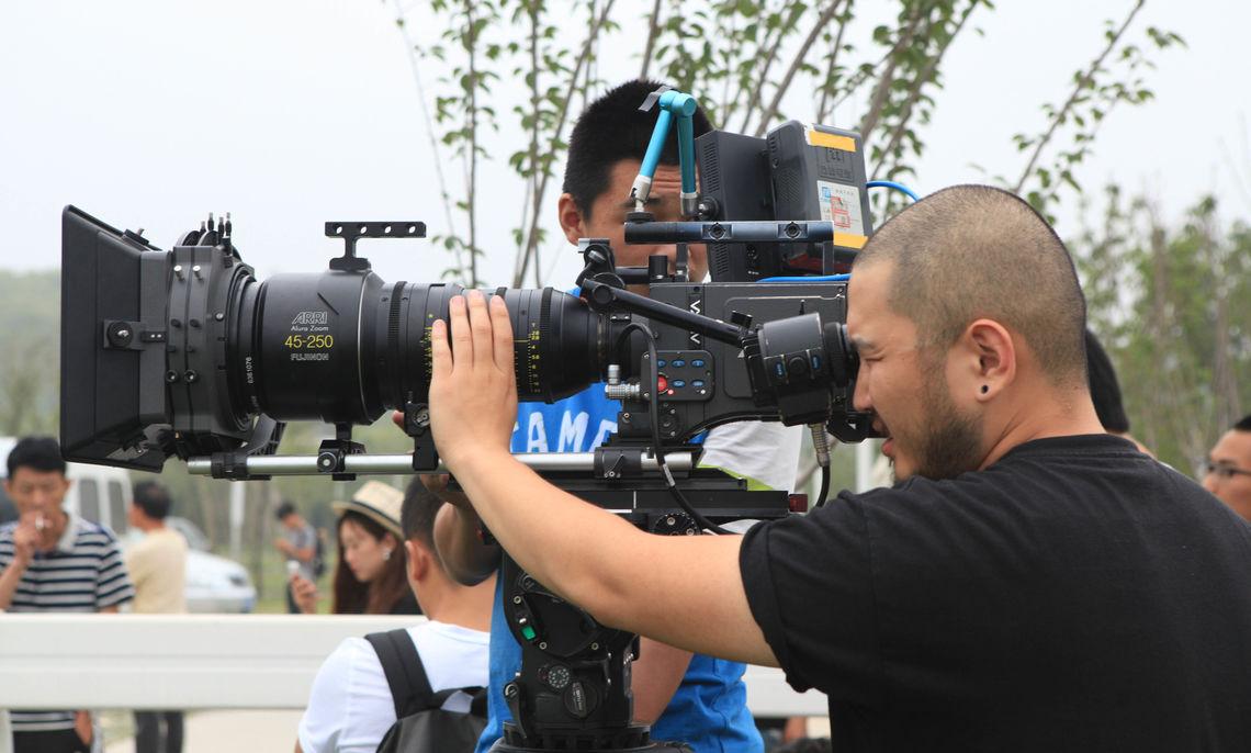 Yiran Zhou '10 at work.