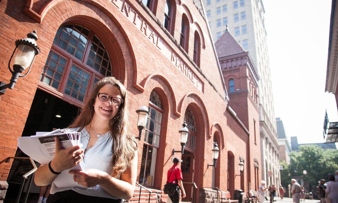 Student market volunteer