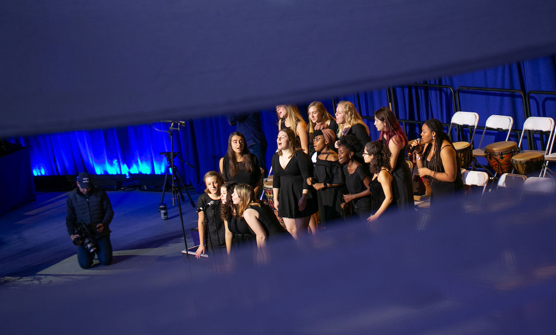 … and Sweet Ophelia, an a capella group.