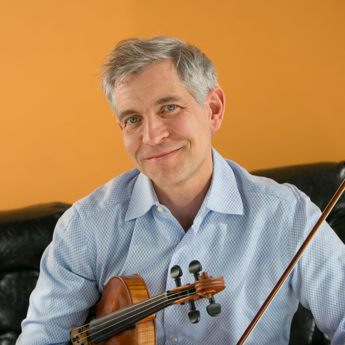 Violin Instructor Michael Jamanis