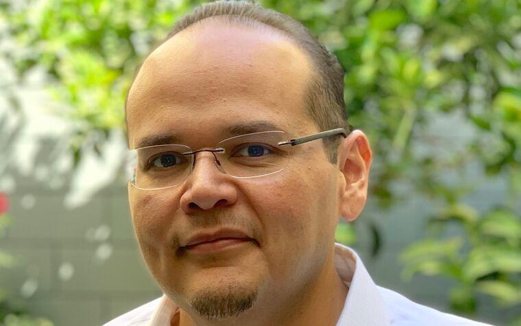 Michael Espinoza '02 Image