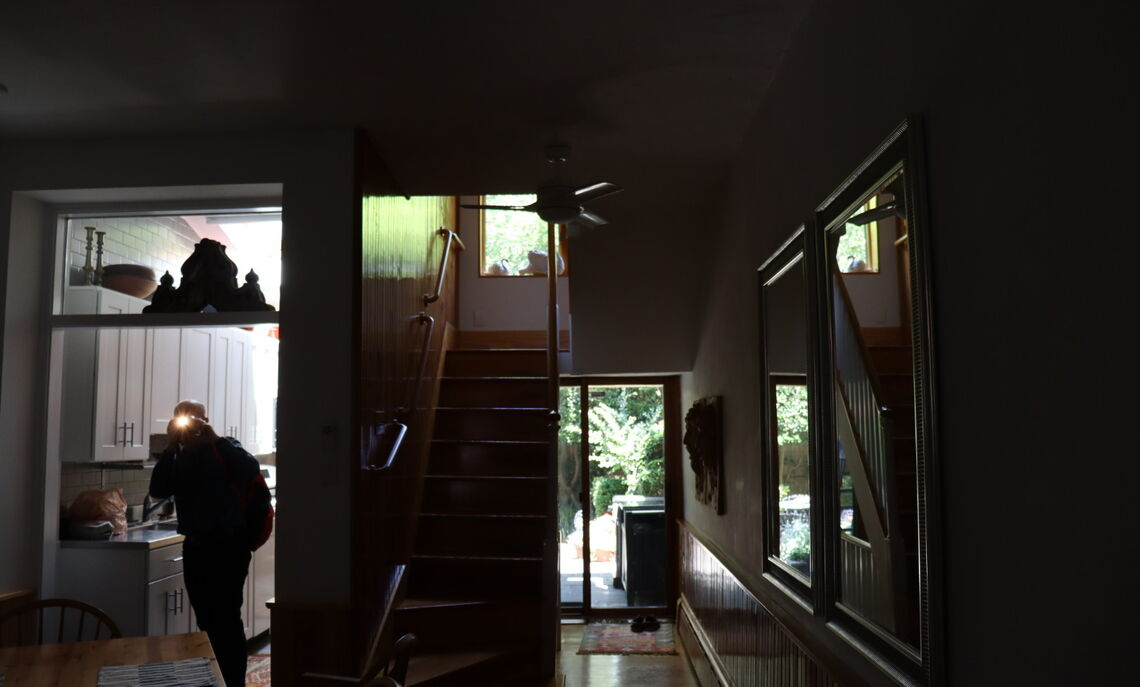 Photographing the interior of an 1810s historic house on Gaskill Street, renovated in the 1960s