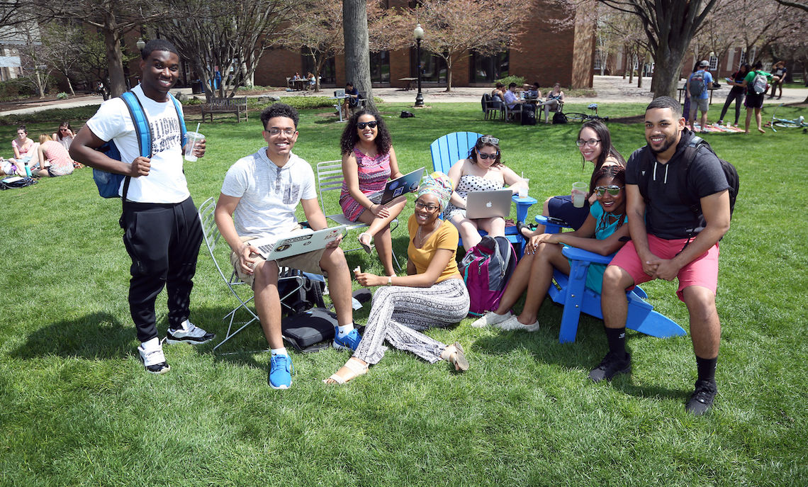 F&M students enjoying a spring day on Hartman Green.