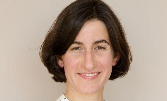 Jennifer Mackenzie headshot
