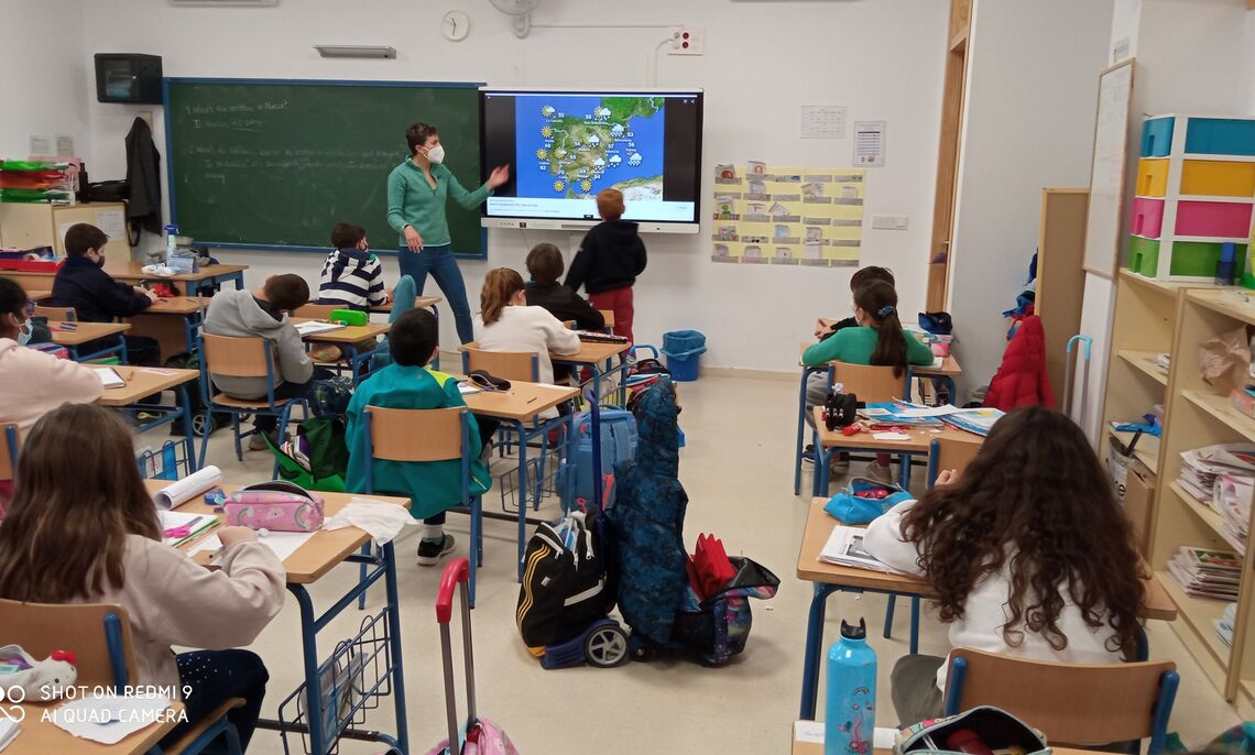 As a language teaching assistant through the Spanish Ministry of Education's North American English Language and Cultural Assistants Program, Anna Milton '18 works at a school in Punta Umbria in Andalusia.