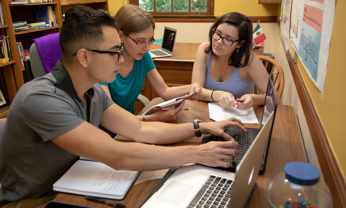 "Assistant Professor of Spanish and Linguistics Jessica Cox and her two Hackman Scholars, Vicente Brambila '20 and Lilian Rodriguez '21, study ""Bilingual Autobiographical Memory."""