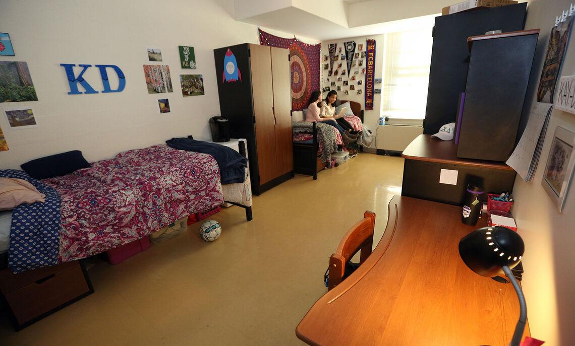 02 20 new college house 07 dg