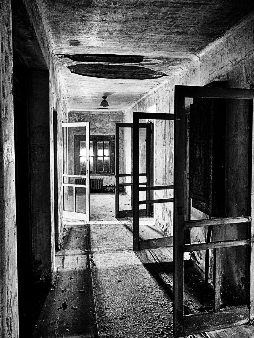 Swinging Doors, 2016, Ellis Island