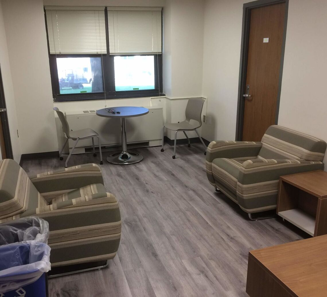 Thomas Hall suite common space