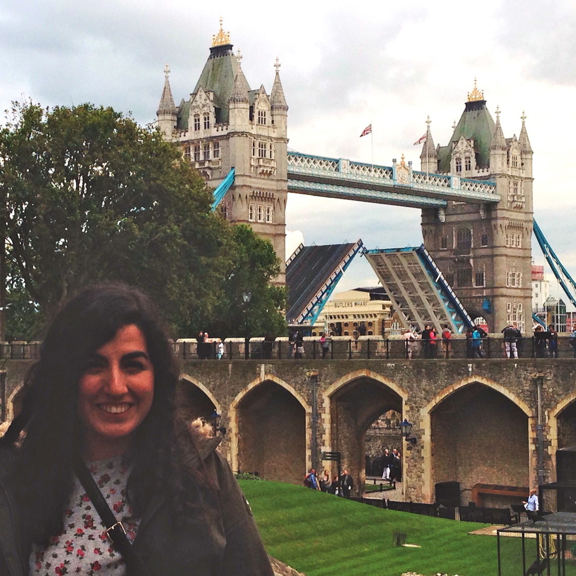 The Tower of London and its drawbridge were one of the many sites Gülce visited during her year-long off-campus study in England.