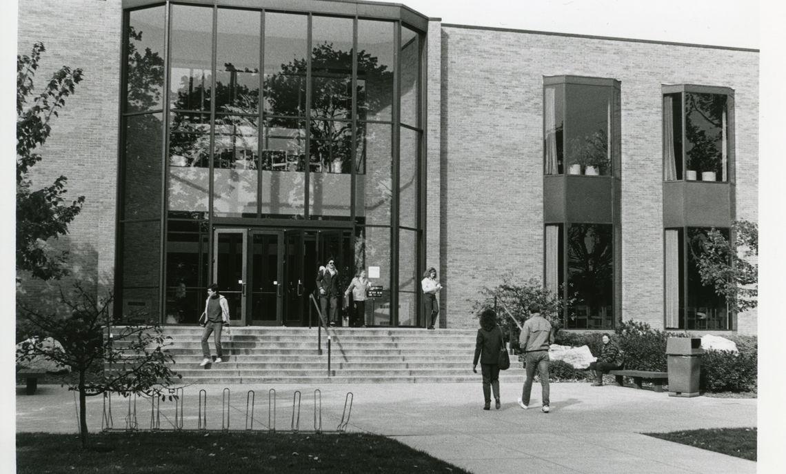 steinman college centerexterior2