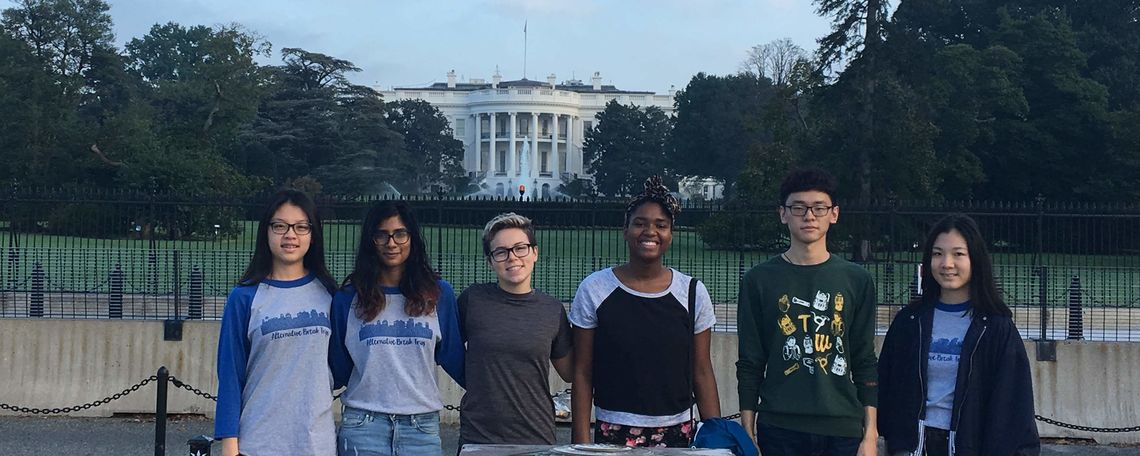Fall Break trip participants in front of the White House