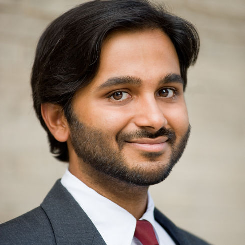 Sauleh Siddiqui '07, assistant professor of civil engineering at Johns Hopkins University's Whiting School of Engineering, will speak at the Oct. 22 Math Colloquium Series on transportation fuels.