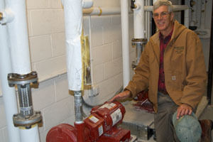 Bill Musser of Wohlsen Construction explains the geothermal pumping system