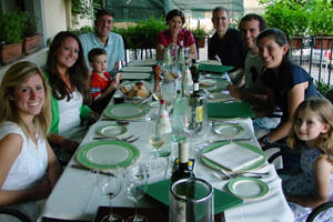 Students dine with the Lerners (at head of table) in Vicchio di Mugello.