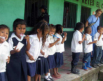 School children learn about dental care in Honduras. F&M students will help to educate other Honduran children on their medical mission over spring break.