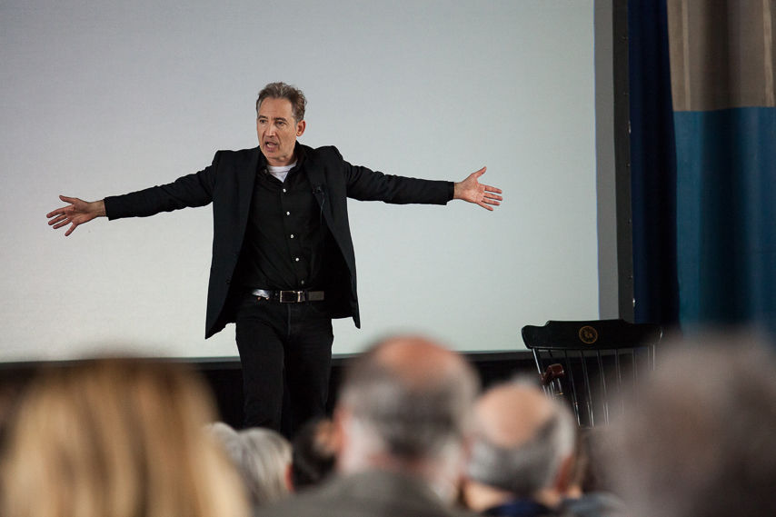 Acclaimed physicist and mathematician Brian Greene told a Franklin & Marshall College audience at Thursday's Common Hour in Mayser Gymnasium that willingness and courage to think differently has ledto deeper theories about the universe. (Photo by Melissa Hess)